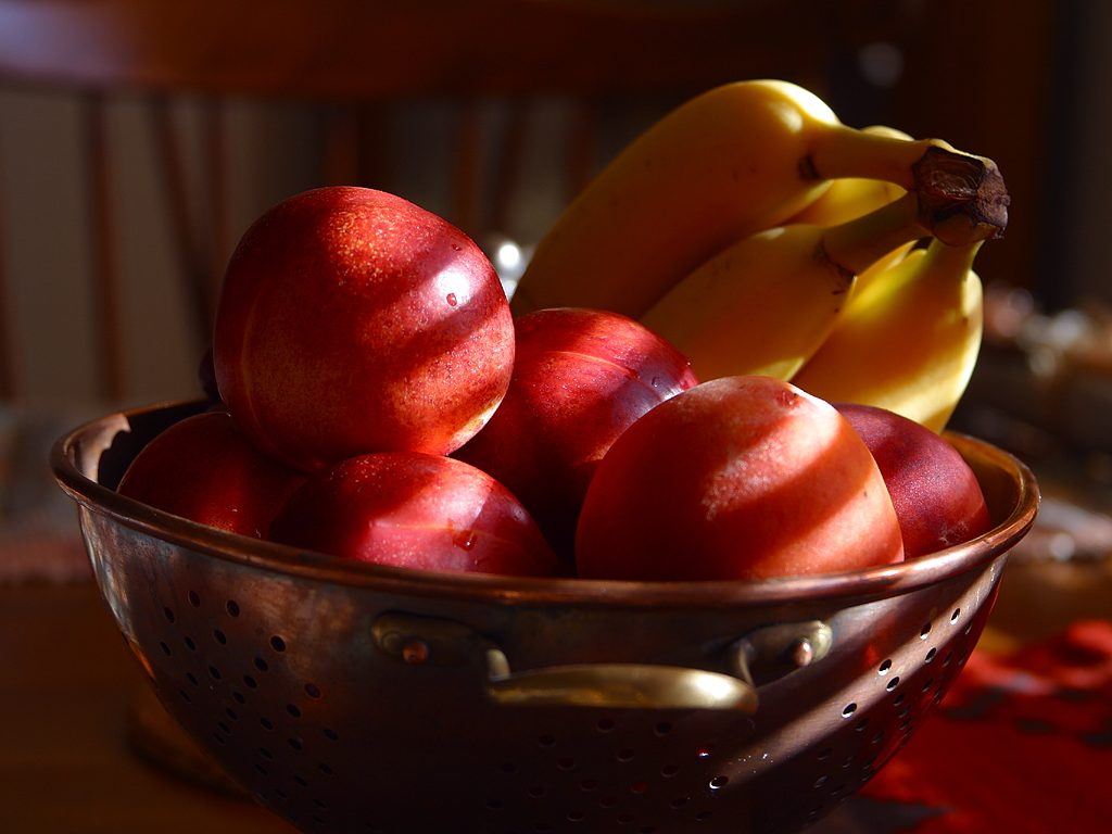 a pic of fruits showing the importance of low glycemic foods
